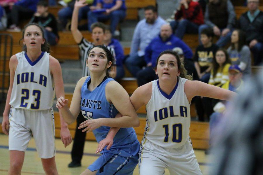 Girls Basketball at Iola