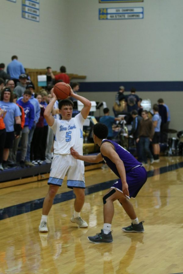 Boys Basketball vs Pittsburg